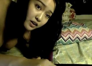 Hot babe masturbation on webcam
