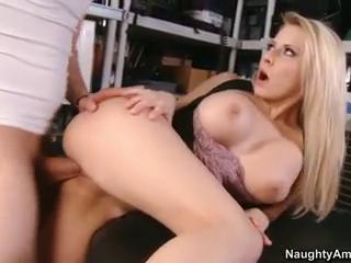 Bouncy Booby Babe Fucking Sex