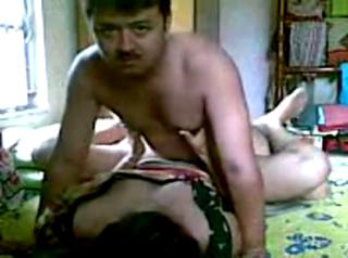 desi Desi Indian sex with maid servant