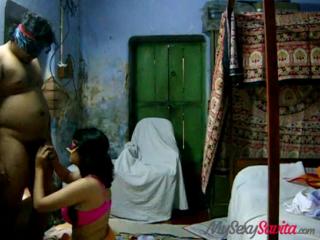desi Indian amateur savita bhabhi giving hot blowjob