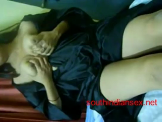 desi Indian Bhabhi first time nude in front of webcam
