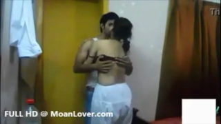 desi Indian newly married couple homemade sex tape leaked