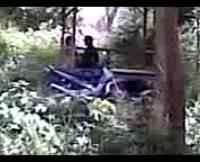 Video Bokep Mesum di Gubuk Tengah Hutan