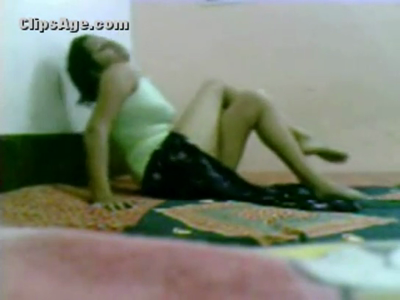desi Young College Girl first time sex with BF