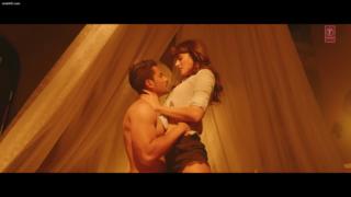 Iss Qadar Pyar Hai - Hot Romantic Video